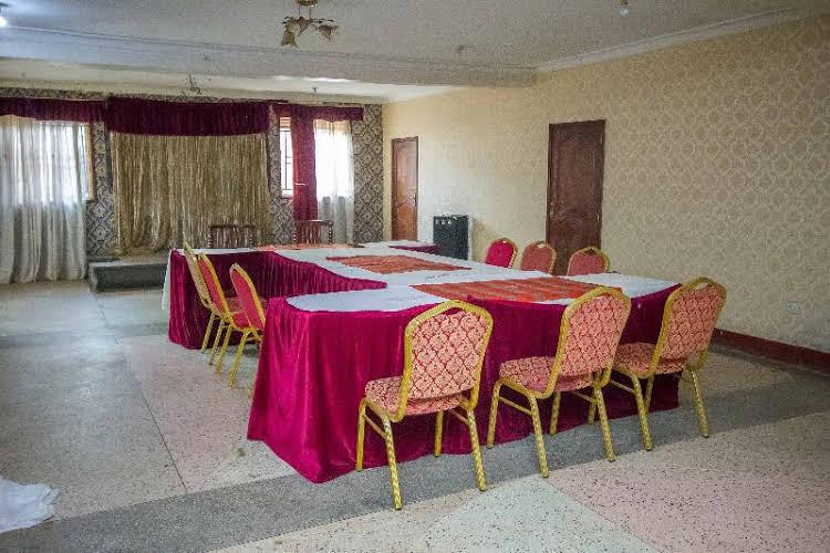 Chez Johnson Muyenga