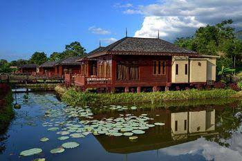 Aureum Palace and Resort Inle