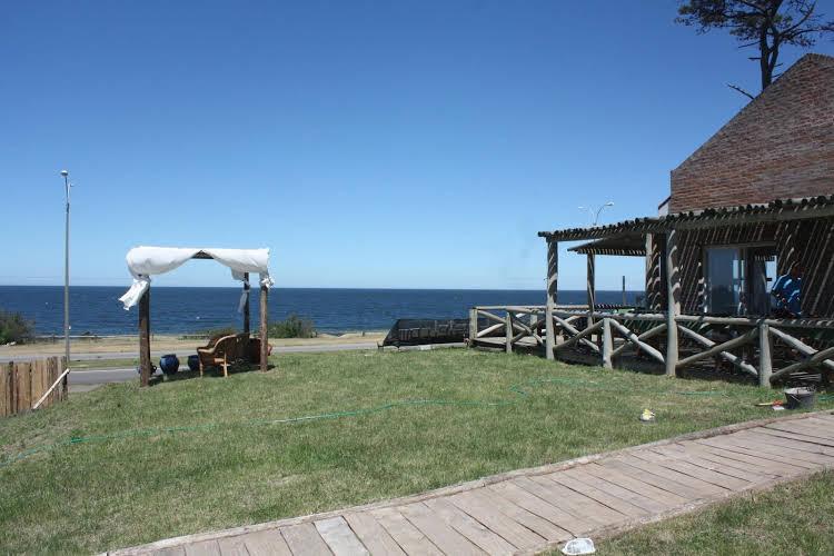 Mansa Beach Hostel