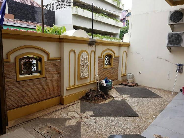 The Backpacker Semarang Hostel