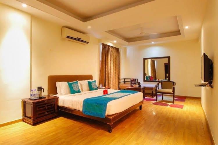 OYO Rooms Lakdi Ka Pul Global Hospital