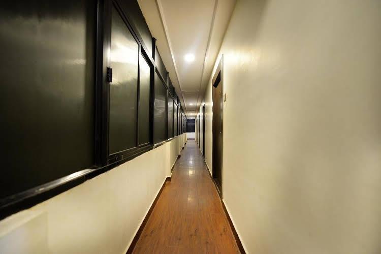 OYO Rooms Uttam Towers