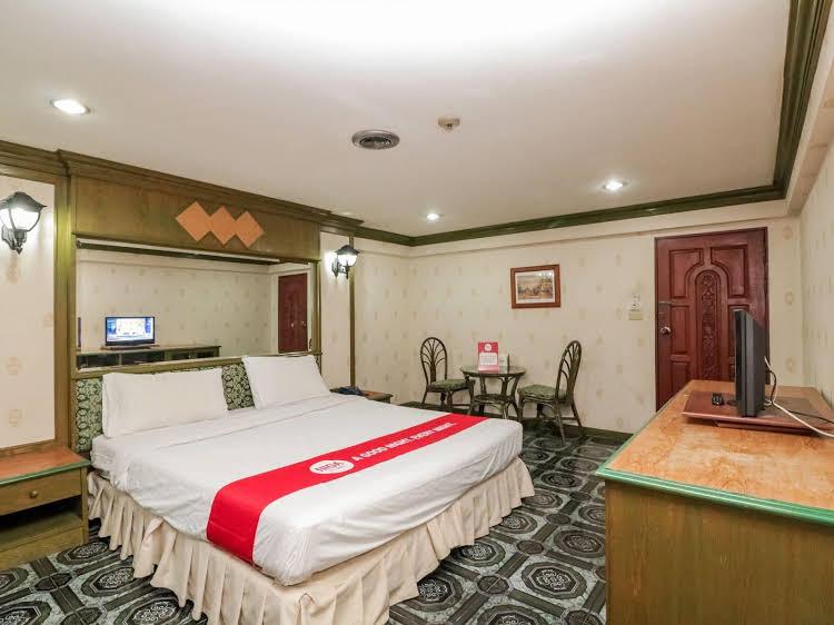 NIDA Rooms Ratchadaphisek Golden Dome Walk