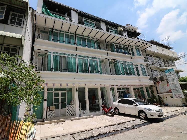 NIDA Rooms Sutthisan Chai Yo Suites