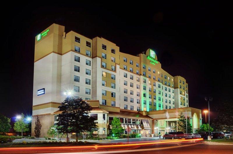 Holiday Inn & Suites Kanata