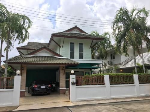Single house two storage