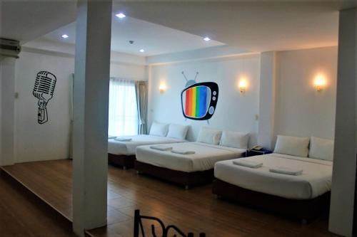OYO 816 The Pride Hotel At Leamsing near Tumbon Bangsakao General hospital