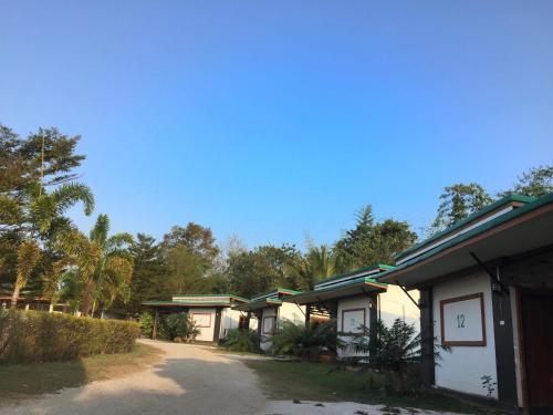Bansuan Sumalee Resort
