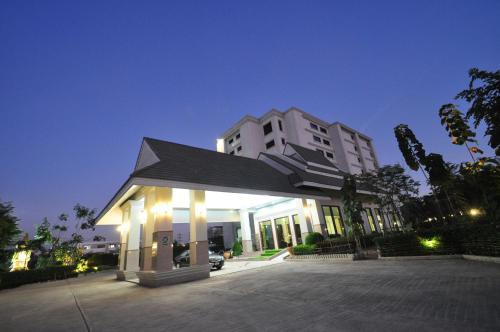 Pearl Resort & Hotel