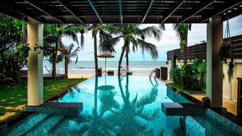 Baan SanSuk Pranburi - Beach Front & Pool Villa