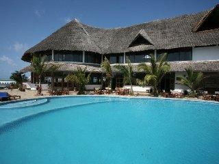 Jacaranda Beach Ora Resort