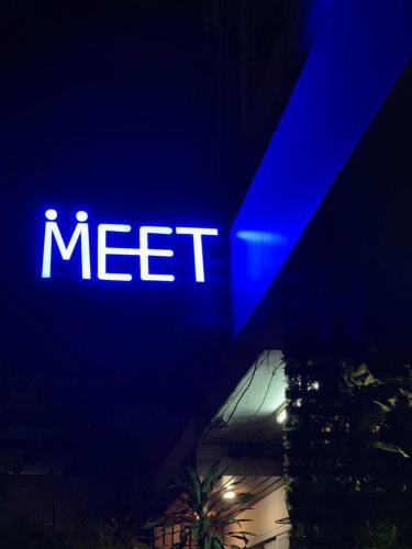 Meet Inn