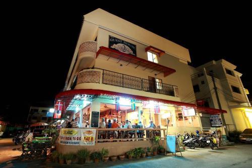 2 Vikings Restaurant & Guesthouse