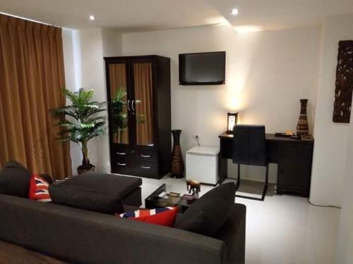 Bayshore Luxury Ocean View Condominium