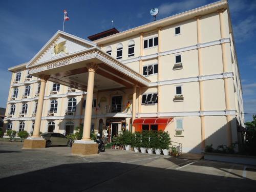 Phadaeng Hotel