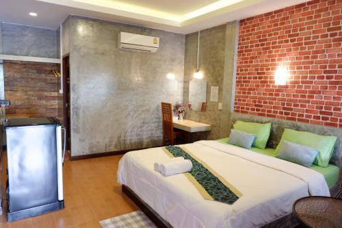 Tony Hotel