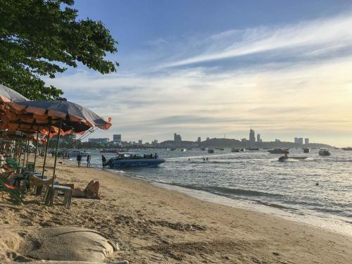 Sixty Six Pattaya by VPG