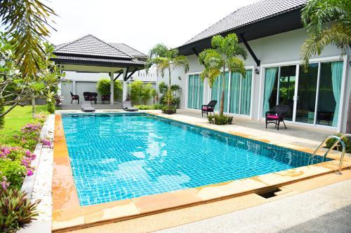 Villa Bua Savan
