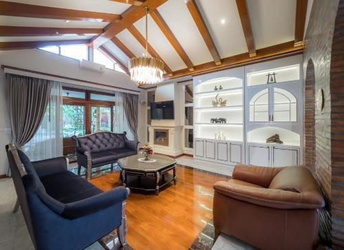 Modern Love Villa