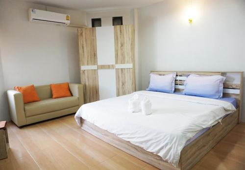 Alongkorn hotel by SB