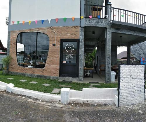 YOJI House and Cafe