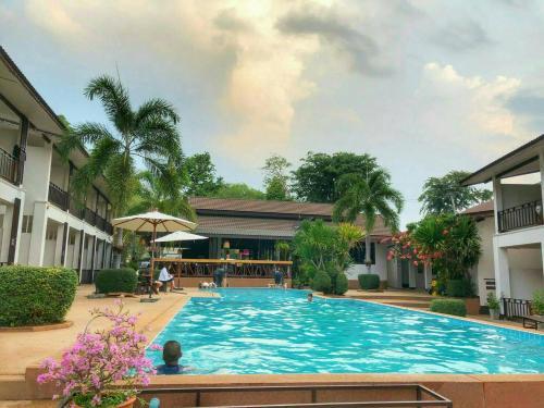 Araya Khongjiam Riverside Hotel
