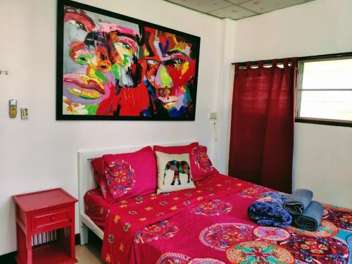 Sunny studio with private bathroom and aircon