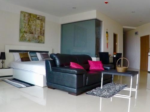 Apartment Chic Condo by Irina