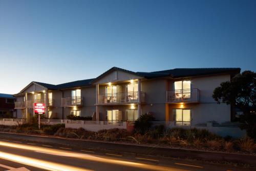 BKs Premier Motel Esplanade