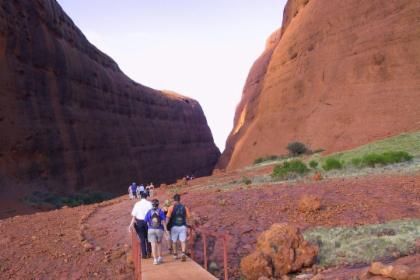 ทัวร์ชมจุดเด่นของ Uluru เดินทางจาก Ayers Rock Resort