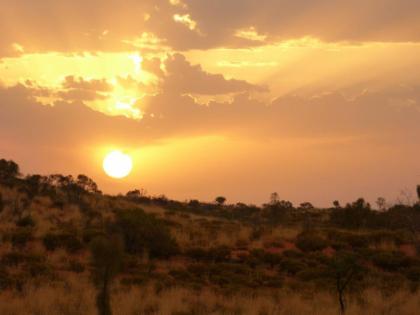ทริปชมพระอาทิตย์ขึ้นที่ Uluru