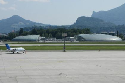 รับส่ง Salzburg Hotel ไป / กลับสนามบิน - เที่ยวเดียว