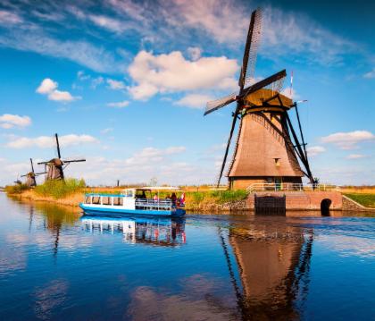 ทัวร์แล่นเรือ(ไป-กลับ) ชมหมู่บ้านกังหันลม Kinderdijk