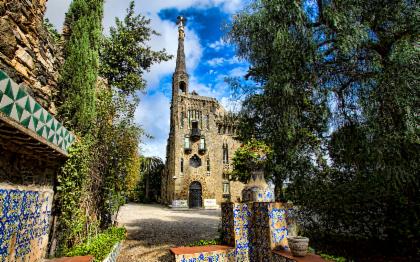 Sagrada Familia & Torres Bellesguard Small Group Tour With Brunch